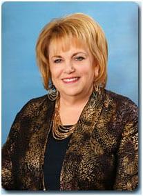 Wendy R. Lewis: Dyrektor Generalny – Właściciel