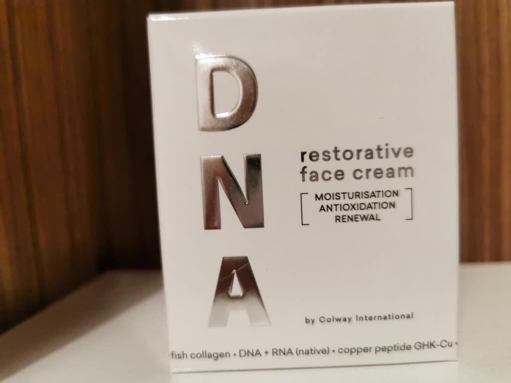 odbudowujący krem do twarzy DNA Colway-1024x768.jpg