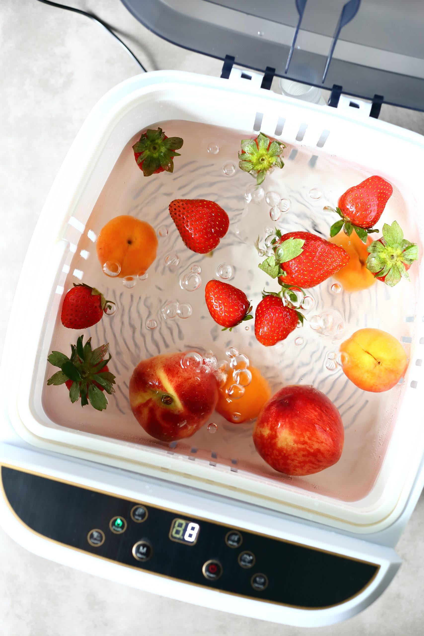 Ozonator i czyste warzywa oraz owoce