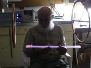 Eric Dollard testuje MWO z pierścieniami kondensatora
